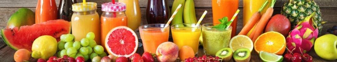 Saftgläser mit viel Obst