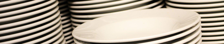 Stapel aus Tellern