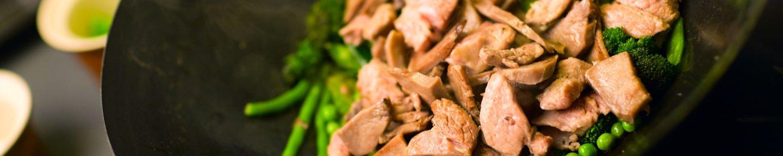 Wok mit Gyrosfleisch und Bohnen